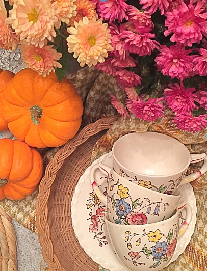 ft tea cups fall table
